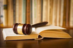 Berufskraftfahrer-Qualifikations-Gesetz (BKrFQG).